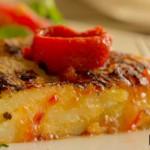 Tortilla de patata con mermelada de pimiento