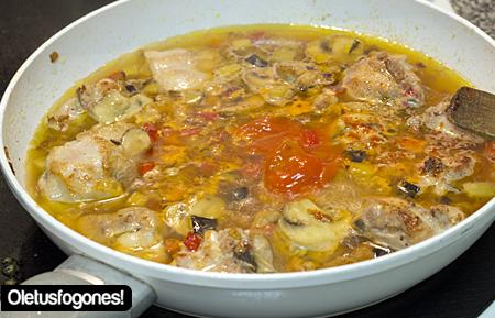 pollo-salsa-champis-como5