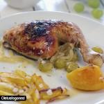 Pollo asado con uvas y naranjas